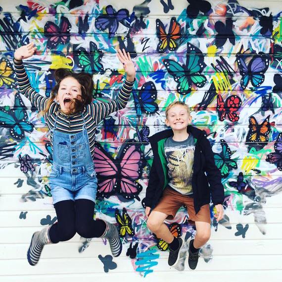 Love Selfie Walls Winner kids jumping