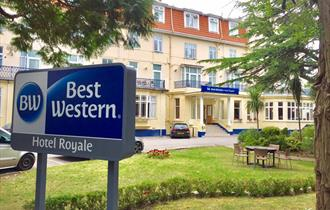 Best Western Hotel Royale entrance