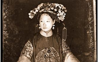 Photograph of Manchu bride taken by John Thomson courtesy of Wellcome Library, London