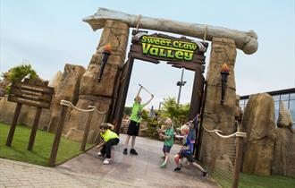 Mighty Claws Adventure Golf entrance