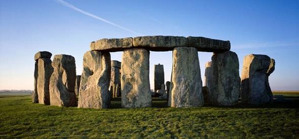 how to go to stonehenge from bournemouth